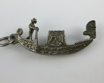 Charm, 800 Silver, Gondola Boat Charm, Venice, Italy, Man on Boat, Traveler Charm, Collectibles