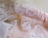 "Vintage Filet Lace Trim Handmade Lace Trim in Ecru Cotton 4 Yards Long x 3"" Wide"