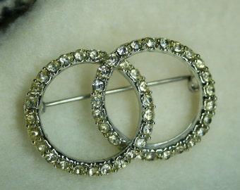 Vintage 1950s Rhinestone Brooch Pin | Interlocking Rings Design Silver | Wedding | Bridal | Retro | Infinity | Costume | Glam