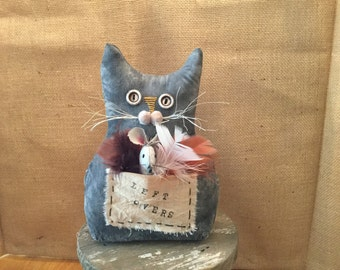 PRIMITIVE CAT and Mouse with  pocket Full of Feathers, Shelf Sitter, Tuck, Ornie