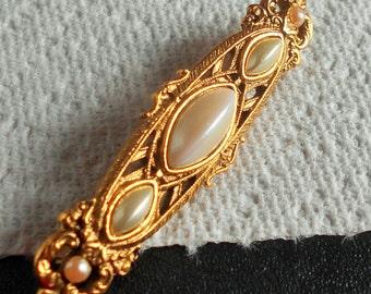 Vintage Faux Pearl Brooch Bar Pin