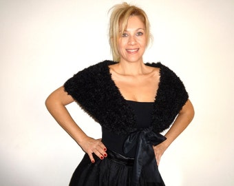CAPELET Black Knit Fur like Shrug Wrap with Satin Bow