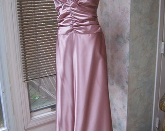 Vintage dusty mauve bride or bridesmaid gown, size 12 antique mauve pink gown, Jessica McClintock sz 12 waltz dress gown, shaped bodice gown