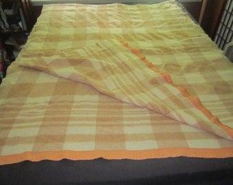 Vintage 1930s/40s Wool 54x145 Beige and Cream Camp Blanket