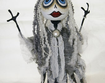 Sale, Halloween Witch, Art Doll Gourd Swamp Princess, Lady Pearl, OOAK Hand Painted Gourd Figure Art