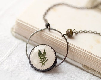 Botanical necklace - Nature jewelry - Green leaf necklace - Green necklace - Floral necklace - Plant jewelry - Forest necklace (N068)
