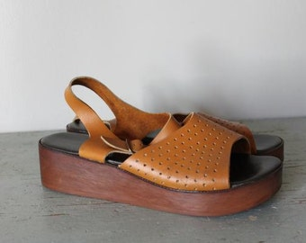 vintage pindot leather CURRY flatform sandals size 10 shoes