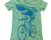 Ladies SHARK on BIKE T-Shirt american apparel S M L Xl (Lime Green)