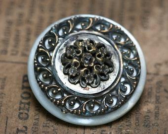 Button Brooch - Shell - Antique Button
