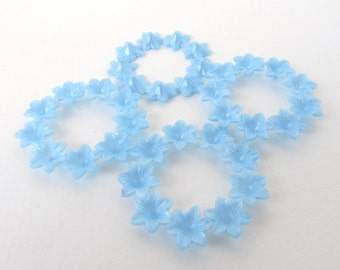 Vintage Flower Cabochon Light Blue Wreath Lucite Plastic 43mm pcb0322 (4)