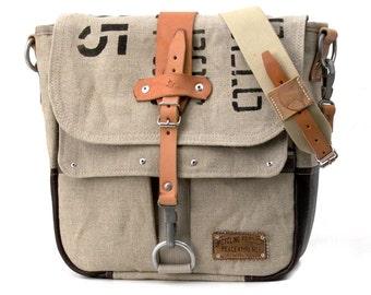 Canvas Messenger Bag / Recycled Belgian Army Canvas Postbag / Crossbody Bag / Canvas Bag / Notebook Bag / Upcycled & Handmade / 2024