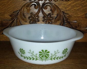 """Vintage 60s/70s GLASBAKE Classic Green Daisy White Milk Glass 2 Quart 8.5"""" Oven Microwave Safe Casserole Baking Dish Bowl #J514 Made in USA"""