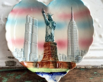 Vintage New York City Souvenir Plate Majolica Heart shape Statue Of Liberty