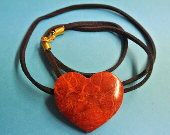 Rare beautiful handcrafted vintage 1970s natural organic apple blossom coral heart pendant necklace with leather band