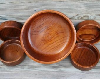Beautiful Wood Salad Bowl Set / Large Salad Bowl and Four Individual Serving Bowls