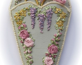 Victorian Roses & Wisteria scissorkeeper - Silk ribbon P and P kit