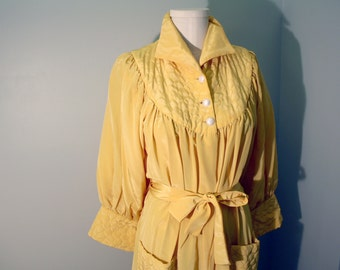 Vintage 50s Robe: Luxe Golden Quilted Nylon Dressing Gown L XL