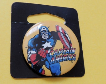 1989 Marvel Captain America Pin on the original card