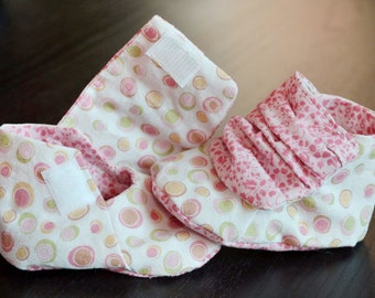 Pink Handmade Baby Shoes, Cute Baby Shoes, Baby Girl Booties, Soft Sole Baby Shoes, Fabric Baby Shoes
