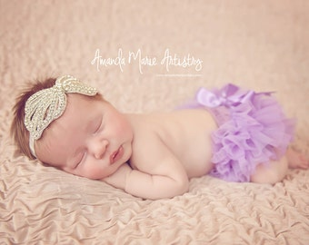 LAVENDER BLOOMER with BOW, newborn bloomer , ruffle baby bloomer, Diaper cover, ruffle diaper cover, newborn bloomer - ready to ship !