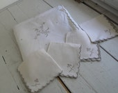 "Vintage Table Cloth White Beige Cut Out 41"" Square Napkins set of 4"