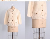 45% OFF SALE.... vintage 1960s jacket - boucle jacket / cream jacket  / 60s boucle knit jacket