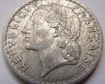 FRANCE MARIANNE CHARM Vintage Over 65 Years Old Marianne 1947 5 Francs Aluminum Coin Charm