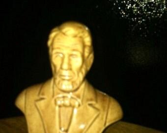 Lincoln--Head n shoulder figurine--Vintage--New Cond--HARD FIND  1-6 Dollar SALES
