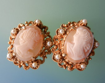 1960s Florenza hand carved real cameo elaborate frame with pearls Earrings - charming  timeless elegance -- Art.166/4 -