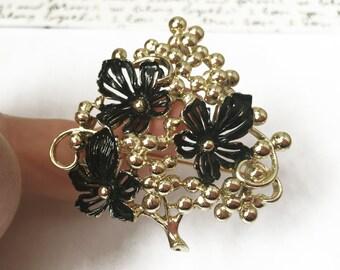 Black Flower Brooch, Sarah Coventry Brooch, Flower Bouquet Brooch, Light Gold Brooch, Gold and Black Brooch, Sarah Coventry Vintage Jewelry