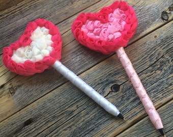 Guest Book Pen - 2 Colors to Choose From - Refillable Ink - Rosette Heart Pen - Valentine's Day Weddings Events Gifts for Girls