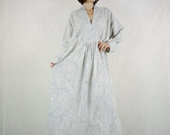 Long Sleeve Oversize V Neck Boho Chic Elegant Grey Paisley Printed Light Cotton Maxi Dress Kaftan Women Sun Dress SM706- Fit size 10 To 20