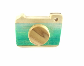 wooden toy camera, pretend camera, heirloom quality toys, wooden baby toy, toddler toys