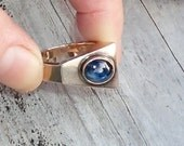 Vintage Modernist 18K Gold & Sapphire Ring Sz 7 - Mid Century Blue Asymmetrical Sapphire Gemstone Ring
