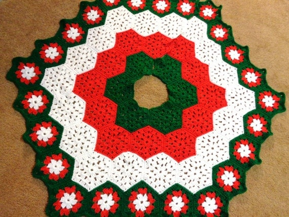 Christmas Tree Skirt in Red White and Green Traditional Colors, Wedding Gift, Present for Grandma, Granny Square Tree Skirt