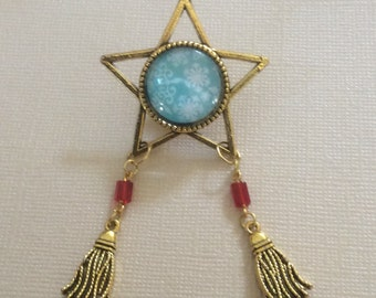 Unique and One of a kind Filipino Christmas Parol Pin