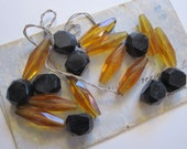 18 vintage cut glass beads - yellow and black - 15mm to 25mm