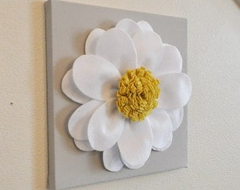 Home Decor Flower Wall Hanging -White Daisy, Daisy Wreath, Spring Wreath, Summer Wreath, Daisy Wall Decor, Nursery Wall Decor, Custom Art