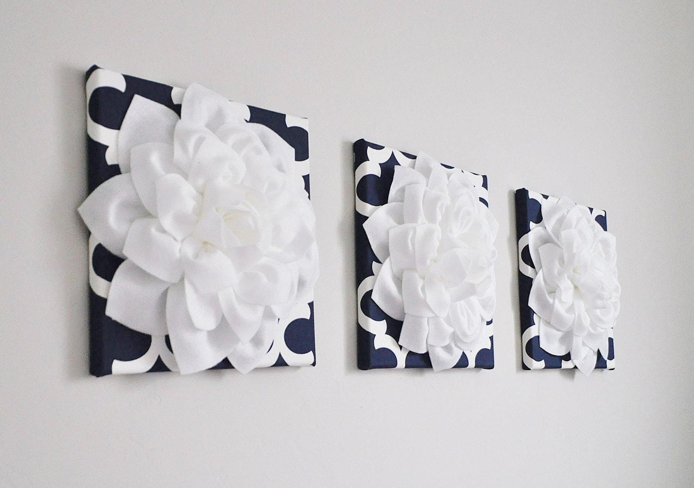 Wall Decor Set Of Three : Wall art quatrefoil set of three white dahlias on navy and