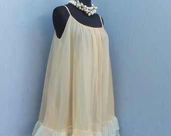 Vintage Flair by Lynne Green Light Apricot or Beige Chiffon Nightie / 34 Bust, 86 cm, M / Roos Atkins
