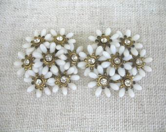 Vintage Soft Plastic & Rhinestone Earrings ~ White Flowers ~ Clip On