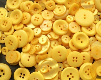 50 Yellow Button Mix,  Banana Yellow Assorted  Sizes, Crafting Jewelry Collect (1524)
