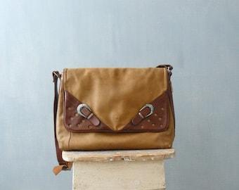 CLOSING SHOP 50% SALE / Vintage 1970s bag. 70s tan leather purse