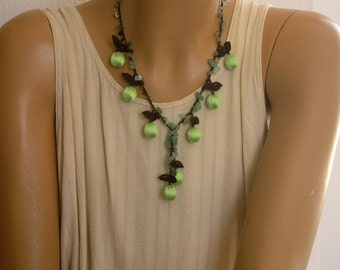 green necklace, crochet