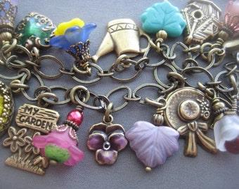 Charm Bracelet - Flower Bracelet - Garden Jewelry - Botanical Jewelry - Gift for Gardener - Flower Jewelry - Gardener Gifts - Nature Jewelry