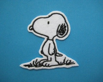 Iron-on Embroidered Patch lovely Snoopy 2.3 inch