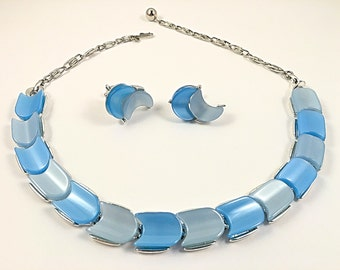 Lisner Necklace, Vintage Jewelry, Blue Lisner Lucite Choker Necklace, Blue Necklace, Vintage Necklace & Earrings, Blue Lucite Jewelry Set