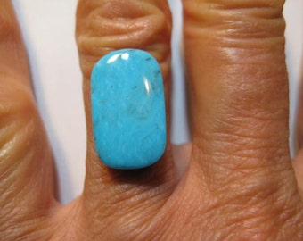 Natural Nevada Turquoise cabochon .....     18 x 10 x 5  mm .........    B3419
