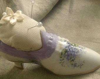 SaLe - Victorian Style SHOE PinCushion