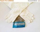 25% OFF Vintage Gloves / 1940s Gloves 1950s Gloves / White Gloves / Kid Gloves Van Raalte Leather Gloves Silk Lined Gloves / Size 7 7.5 7 1/